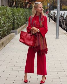 Best Outfits For Women Over 50 - Fashion Trends Clothes For Women Over 40, Fashion For Women Over 40, 50 Fashion, Fall Fashion Trends, Autumn Fashion, Fashion Outfits, Fashion Clothes, Spring Fashion, Chic Clothing