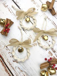Nordic Christmas, Christmas Bells, Xmas Ornaments, Christmas Crafts, Christmas Ideas, Home Decor Christmas Gifts, Christmas Tree Decorations, Glass Bottle Crafts, Macrame Cord
