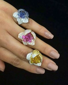 We defy you to pick only one delicious @palmierojewellery flower ring, as they are all absolutely delightful #asiajewellers