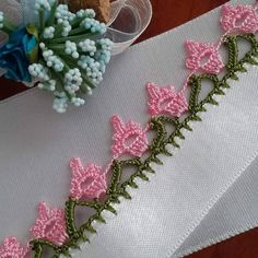 Very Showy 51 Pink White Crochet Needlework Models - Knitting Cow Baby Showers, Hipster Baby Clothes, Embroidery On Clothes, Knitting Videos, Needle Lace, Baby Knitting Patterns, Handmade Bags, Crochet Lace, Easy Crochet