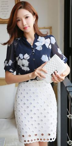 StyleOnme_Floral Motif Lace Cutout Pencil Skirt #navy #floral #white #pencil…