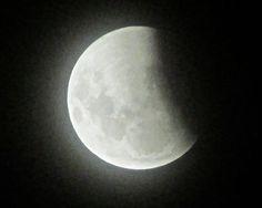 イースター皆既月食の始まり(2015.4.4.) Kiwi, Sky, Celestial, Heaven, Heavens