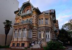 Mansion Kapanci - Thessaloniki - Thessaloniki - a building with history Greek Buildings, Old Buildings, Old Street, Macedonia, Thessaloniki, Architecture Photo, Old City, Greece Travel, Day Trip