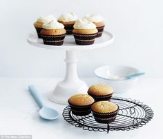 Donna Hay: Vanilla cupcakes with vanilla butter icing | Daily Mail Online