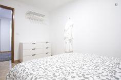 Quiet & Central 1 Bdr Apart w/terrace - Apartments for Rent in Lisboa, Lisboa, Portugal