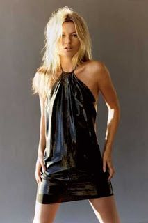 Model Kate Moss years) decided to become a good girl. So, the beautiful supermodel decided to convert to Buddhism. Kate Moss was the first model to be Kate Moss, Trash Bag Dress, Abc Party Costumes, Costume Ideas, Diy Dress, Party Dress, Anything But Clothes, Robe Diy, Recycled Dress