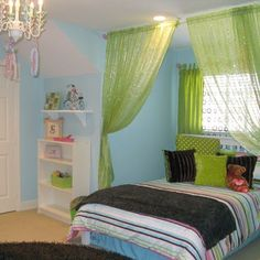 I like the idea of a curtain around the bed.           teenage room decorating ideas for girls  | Teen Girl Bedroom decorating ideas