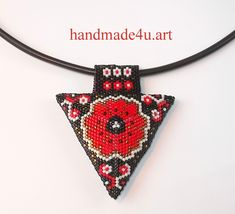 handmade4u.art : Mak - trójkąt Seed Bead Jewelry, Seed Beads, Beaded Jewelry, Handmade Jewelry, Peyote Triangle, Peyote Patterns, Pendant Earrings, Geometric Designs, Bead Weaving