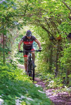 Mountainbiken im Pöllauer Tal auf der neuen Mountainbike und Downhill Strecke #hotelretter #emountainbike #mountainbike #mtb #pöllauberg E Mountain Bike, Mtb, Restaurant, Sports, Hs Sports, Restaurants, Sport, Dining Rooms, Mountain Biking