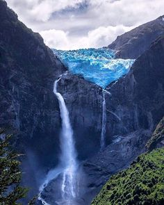 Hanging glacier in Queulat National Park, Patagonia, Chile Beautiful Waterfalls, Beautiful Landscapes, Parc National, National Parks, Places Around The World, Around The Worlds, Places To Travel, Places To Visit, Travel Destinations