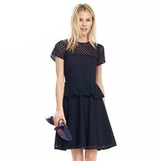 Banana Republic Geo Lace Peplum dress sz 6 Navy Brand new with tags!!! Banana Republic get lace navy peplum dress. Please note that this is in the navy color- not white. Absolutely brand new- never worn. Size 6. Retails for $178. Brand new this season! Banana Republic Dresses Midi