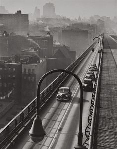 HAROLD ROTH (American, b. Williamsburg Bridge, 1947 Gelatin silver, 1997 Paper: x 11 inches x - Available at 2011 May New York Signature. History Of Photography, Street Photography, New York Photographie, Old Pictures, Old Photos, Perspective Atmosphérique, Williamsburg Bridge, Vintage New York, Foto Art