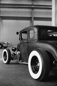 das Härteste was die Strasse zu bieten hat... Hot Rods - Café Racers - Custom Cars - Motorcycles -...