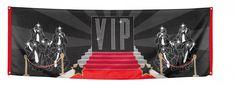 VIP banner 74 x 220 cm. VIP party banner van polyester materiaal. De VIP banner is ongeveer 74 x 220 cm groot.