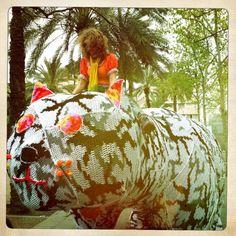 Olek celebrated her birthday in Barcelona making Yarn Bombing to Botero's sculpture. Happy Birthday!