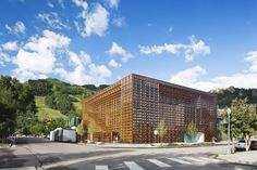 The Aspen Art Museum in Aspen, Colorado. Shigeru Ban Architects and CCY Architects redesigned the three-floor Aspen Museum, originally constructed in the late 1970s. The basement and first floors are galleries, while the top floor includes a café and public terrace with views of the Rockies.