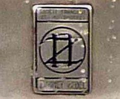 La marque de voitures Française Donnet-Zedel fut fondée en 1924 cette firme a produit des véhicules automobiles jusqu'en 1934.