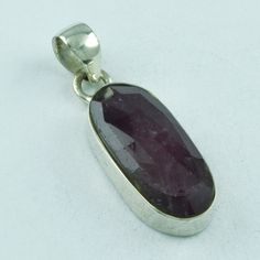 925 STERLING SILVER CLASSIC DESIGN RUBY AGATE PENDANT #SilvexImagesIndiaPvtLtd #Pendant