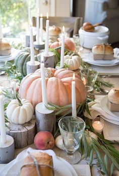 BECKI OWENS- Thanksgiving is coming! Visit the blog to see 10 inspiring Thanksgiving tables + shop the looks.