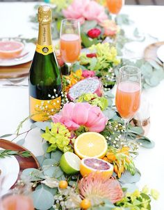 This citrus and floral runner is ideal for a brunch wedding