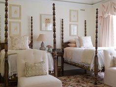 20 Marvelous Twin Bedroom Design Ideas Bedroom with two four poster twin beds Home Bedroom, Girls Bedroom, Master Bedroom, Bedroom Decor, Peaceful Bedroom, Extra Bedroom, Budget Bedroom, Bedroom Storage, Bedroom Ideas