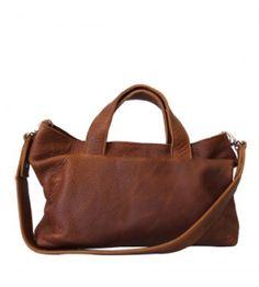 9714d47c7e9 16 beste afbeeldingen van Tassen - Beige tote bags, Leather en ...