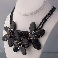 Pretty Triple Flower Stone Pearl Chocker Necklace