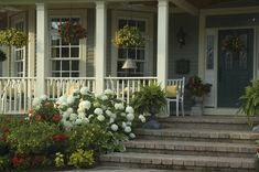 front patio landscaping ideas image of front porch landscaping ideas designs front yard porch landscaping ideas Front Porch Garden, Front Walkway, Front Porches, Front Deck, Front Yards, Landscaping Around House, Front Yard Landscaping, Landscaping Ideas, Landscaping Software