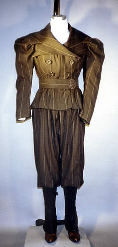 1890s Sporting Costume