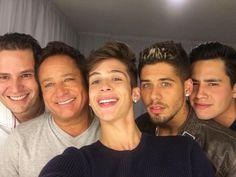 leonardo and family Leandro E Leonardo, Reality Shows, Poses, Photo And Video, Videos, Instagram, Look, Four Kids, Truck Drivers