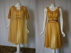 1950s Vanity Fair Gold Peignoir Set 34 medium Vintage Bra 7c6799da4