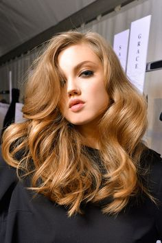 In love with these big curls. Perfect style for that medium long length. beautiful color too.