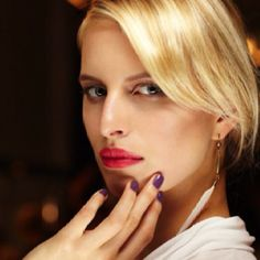 Karolina Kurkova giving old Hollywood glamour! Spring Makeup, Old Hollywood Glamour, People Photography, Great Hair, Hair Day, Spring Collection, Black And White Photography, Wedding Makeup, Celebs