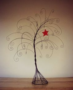 Wire Christmas Tree - DIY art project made from recycled wire