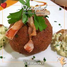 Es muy fácil enamorarte  en D'angelos con unas ricas #Papas rellenas al gusto. Y buen apetito!  #SencillamenteDelicioso #Guayana  #Gastronomía  #gourmet  #gastronomy  #almuerzo  #cena  #lunch  #lunchtime  #dinner  #potatoes