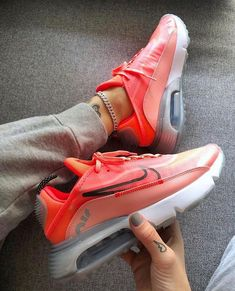 Nike Air Max 2090 New and with the CODE For only 120 € instead of 150 € Your opinion . Best Sneakers, Air Max Sneakers, Sneakers Nike, Style Blanc, Nike Air Max Plus, Nike Air Force Ones, Unique Shoes, Nike Shoes Outlet, Nike Air Vapormax