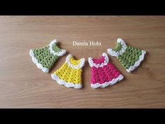 Today we are learning to crochet a beautiful tiny dress. Tiny projects seem to gain a lot of popularity nowadays. There is a reason behind it, maybe even two: tiny projects are easy to make and require very little time. Also, tiny projects are tons of fun Crochet Doll Clothes, Crochet Dolls, Crochet Crafts, Crochet Projects, Crochet Pillow, Crochet Baby, Knit Crochet, Crochet Keychain, Crochet Videos