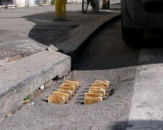"Street Installation by Mark Jenkins ""toaster"" Banksy, Street Installation, Street Art Graffiti, Berlin Graffiti, Land Art, Mr Brainwash, Urban Intervention, Urbane Kunst, Art Sculpture"