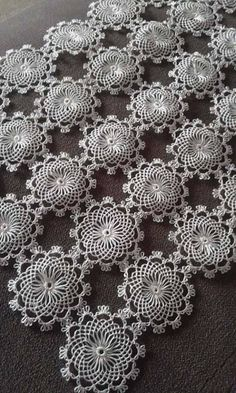 off White lace trim with daisy flowers, crocheted lace trim, retro floral trim lace, vintage flowers lace trim, bridal lace Crochet Cord, Crochet Motif, Crochet Doilies, Crochet Lace, Crochet Stitches, Vintage Crochet Patterns, Doily Patterns, Crochet Designs, Crochet Table Runner Pattern