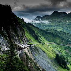 Der Flexenpass in Vorarlberg © @strolz.lech  .  .  .    ⚪️    #weloveaustria #Iloveaustria #Urlaub #Holiday #love #holidays #Vacation #Berg #Berge #Alpen #Mountain #bestview #mountainlove #awesome #amazing #Österreich #Austria #visitaustria #public #feelaustria #instagood #instadaily #destination #igersaustria #Natur #wanderlust #theplacetobe #Vorarlberg