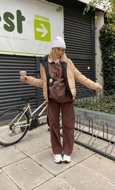 Mode Outfits, Fashion Outfits, Outfits Mujer, Brown Outfit, Winter Fits, Mode Inspiration, Cute Casual Outfits, Look Cool, Look Fashion
