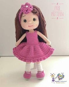FREE TARİF TOKALI KIZKnit this gorgeous chunky cardigan using bulky yarn and the relaxing garter stitch! Cute Crochet, Crochet Crafts, Crochet Toys, Crochet Baby, Crochet Projects, Crochet Dolls Free Patterns, Crochet Doll Pattern, Crochet Stitches, Crochet Doll Tutorial