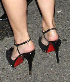 Kim Kardashian Photos Photos - Kim Kardashian arrives with band aid on her heels at Serena Williams' pre-ESPYs party with new boyfriend Dallas Cowboy's Austin Miles. - Kim Kardashian at a Pre-ESPY's Party