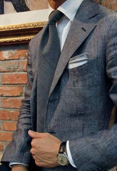 87bb409334 A szürke sem sosem csak szürke. Az elegancia színe. #TSL #stílustippek  Fashion