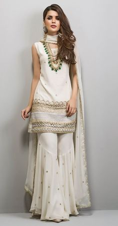 Asian Bridal Wear, Indian Bridal Outfits, Indian Party Wear, Pakistani Bridal Wear, Pakistani Dress Design, Indian Designer Outfits, Indian Wear, Designer Dresses, Dress Indian Style