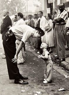 1958. Award: Pulitzer Prize for Photography.    Photographer: William C Beall of the Washington Daily News