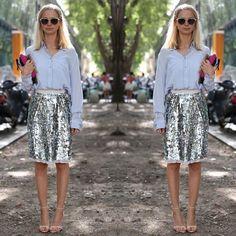 Sparkling Skirt #sparklingskirt #sequinskirtlook #streetstyle #sequins