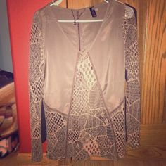 BKE boutique small blouse New without tags small BKE blouse Buckle Tops Blouses