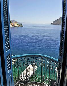 ギリシャ 窓辺からの風景 5 Reasons to Visit Symi - Greece Is Oh The Places You'll Go, Places To Travel, Places To Visit, Romantic Destinations, Travel Destinations, Greece Destinations, Beautiful World, Beautiful Places, Beau Site