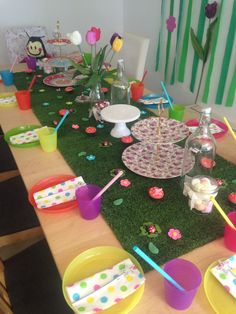Table setting girls party